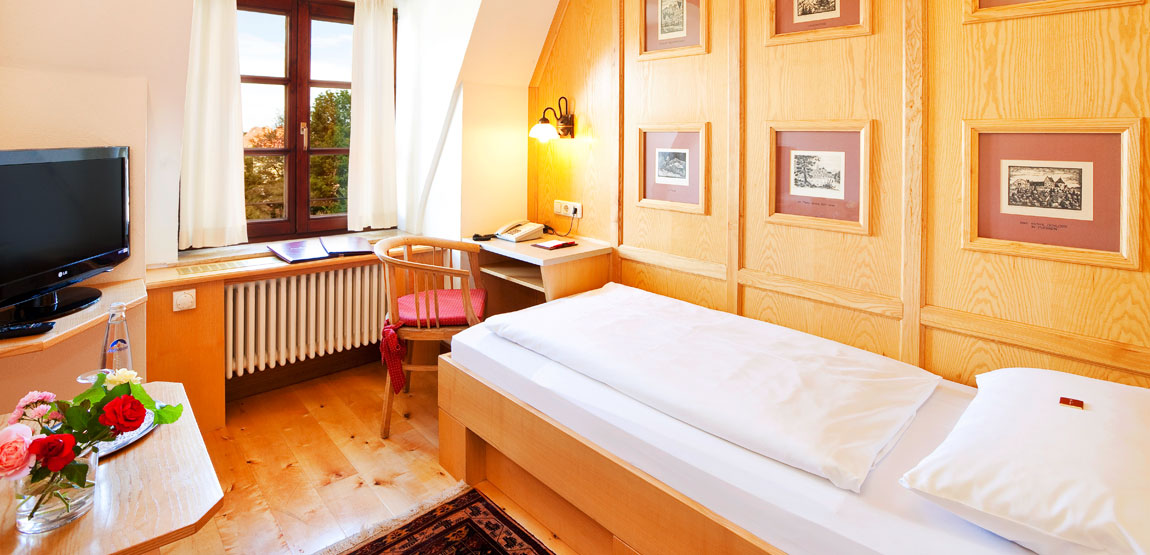 Single room in the Hirsch Hotel in Füssen not far away from Neuschwanstein