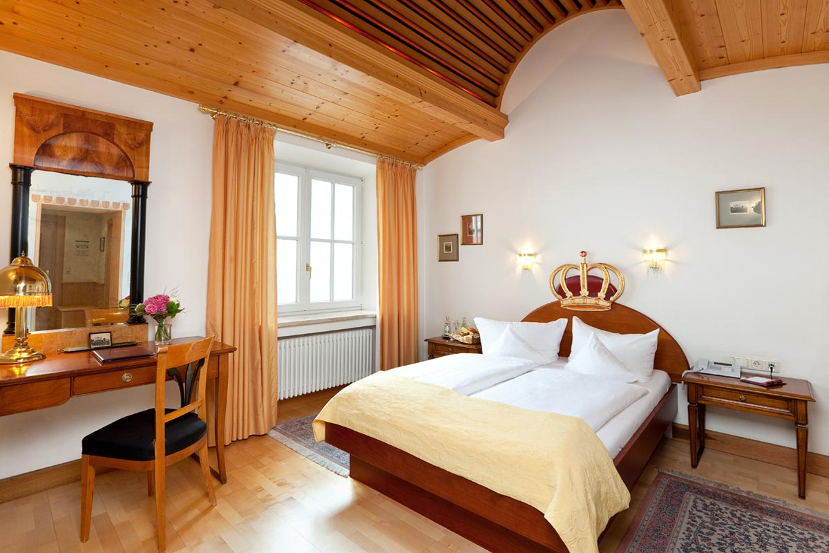 King Ludwig as theme for rooms in the Hotel Füssen