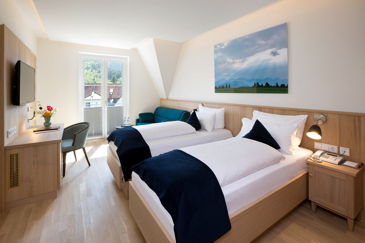 Superior hotel double room in Füssen with single beds